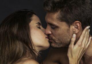 唇がまるで性感帯!…女性が快楽に溺れまくった「彼からの極上キス」