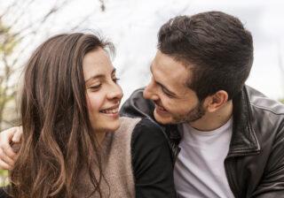 むしろぽっちゃりがいい! 男性が「いますぐ抱きしめたい」と思う女性の特徴4つ