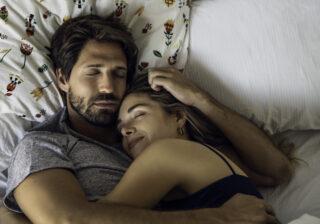おやすみのキスを…彼が「彼女と一緒に寝るとき」期待するコト4つ