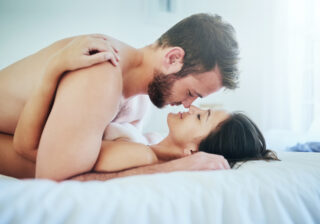 アソコを舐められすぎてビクビク… 女性が「自分史上最高に気持ち良かった」エッチ4つ