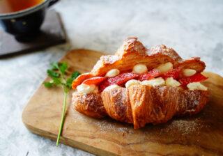 かわいくて簡単おいしい!…朝食やおつまみにも「イチゴの絶品サンド」