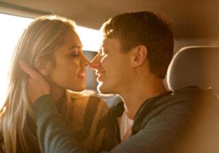 マジで惚れてる証拠!? 男性が「本気の女性」にだけ見せる愛情表現4つ