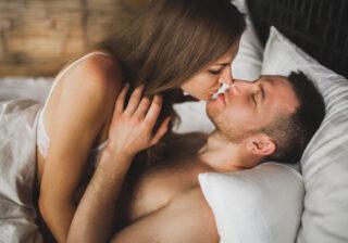 彼女をイカせてから… 男性が「本命彼女にしかしない」セックス4選