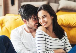 ベッドイン前には必ず…男性が「色気を感じる彼女」の特徴