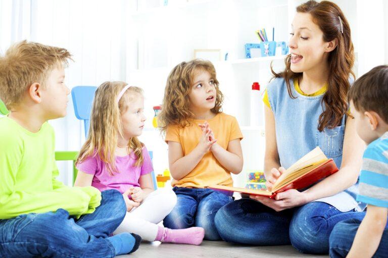 保育園 学校 ママ 子ども 育児