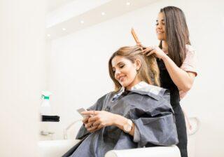 """美容師の神対応にめちゃキュン…! 女性約200人調査「私が出会った最高の""""美容師さん""""」"""
