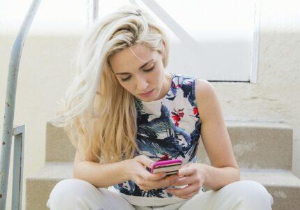 35歳になった途端に…女性約200人に聞いた「出会い系アプリの実態」