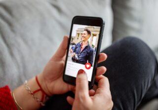 周囲はアプリ婚だらけ…!? 女性約200人に聞いた「出会い系アプリの最新事情」