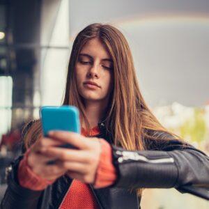会うのが面倒…女性約200人調査「出会い系アプリが向いていない人」3選