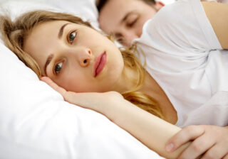 """女性の家で""""2人きり""""…「何もしてないと言う彼氏」vs「浮気を疑う彼女」"""