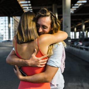 反応しちゃう… 男性が「女性を抱きしめた時」気になっちゃうコト4つ