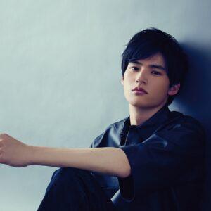岡田健史がドラマ『桜の塔』の現場を語る 「みんな癒されています」