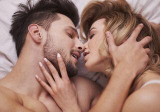 1日中ベッドの上で…男性が幸せを感じる「濃厚セックス」4つ