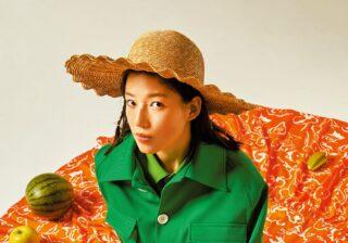 石井杏奈が旬のグリーンコーデ モードにハンサムに大変身!