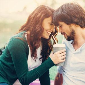 逃しちゃダメ…! 結婚すると「実はいい夫になる」男性の特徴4つ
