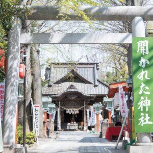 崎山つばさ、オススメ神社4選 寅さん願掛けのパワースポットも!