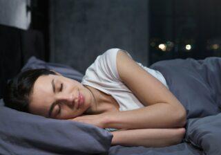 睡眠の質がグンと上がる…! 精神科医もすすめる「寝る前の簡単習慣」3選