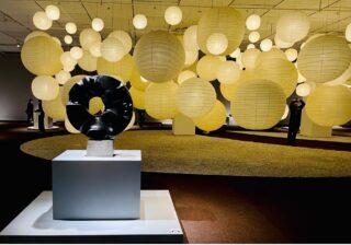 妻子持ちの父、差別、孤独…天才彫刻家イサム・ノグチの作品に希望を感じる理由