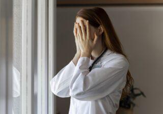 ストレートパーマをかけたら…! 女性約200人調査「史上最悪レベルで不運だった瞬間」
