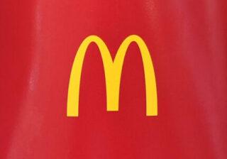 【画像】衝撃! 1位はビッグマックではない! 【マクドナルド】女性約200人調査「好きなハンバーガー」ベスト3