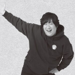 """岡崎体育、新""""アー写""""撮影裏話 「めちゃくちゃ自然な笑顔が出た」"""