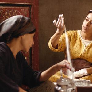 道端で出産、そして子どもは…モロッコで未婚の妊婦がたどる過酷な現実とリスク