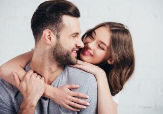 キスをした直後に…♡ 男性の心をくすぐる「キス中の仕草」4選