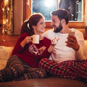 一緒にポカポカ… 幸せカップルが「寝る前にしているルーティン」4つ