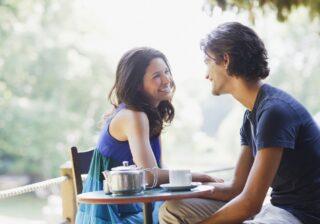 一気に好感度アップ…! 男性が「付き合いたい」と思う女性の行動3つ