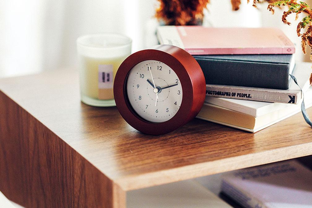 時計¥999※電池別売り グラスキャンドル¥407(共にニトリ)