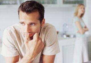一気に冷めた…! 初デートで男性が幻滅した「女性のふとした行動」4選