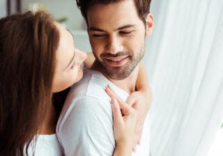 寝るときもずっと…♡  付き合ったら「彼女にゾッコンになる」彼氏の特徴4つ