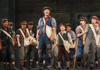 京本大我、主演ミュージカル『ニュージーズ』観劇ルポ。新たなプリンシパルの誕生を確信させた珠玉のミュージカル。