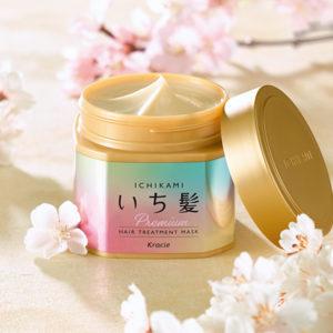 """日本に受け継がれる「和草のちから」。流す瞬間、いつもと違う!  明日が楽しみになる""""絹髪""""の秘密。"""