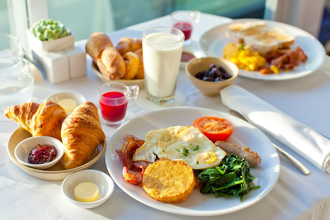 【マイボイス】ヨーグルトDelicious,Breakfast,For,Two,At,The,Luxury,Hotel