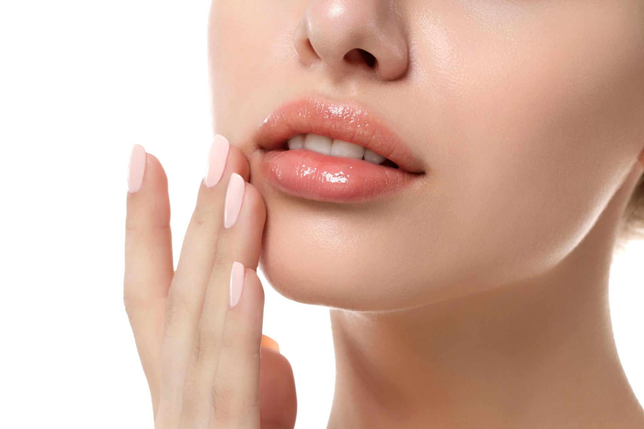 ぷっくりとした唇に導く… ほんのり色づき、ケアもしてくれる「万能リップ」3つ