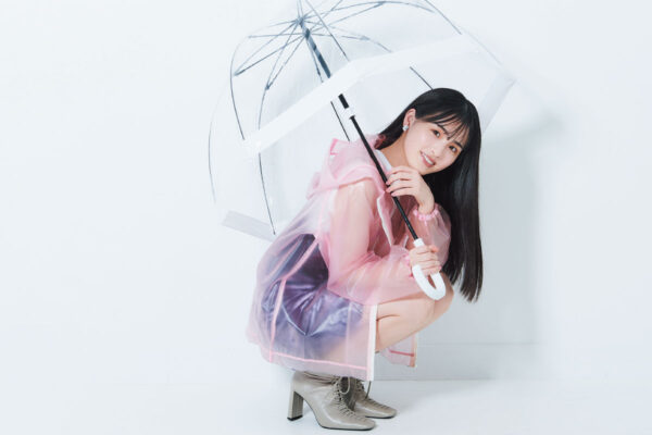 乃木坂46・大園桃子が梅雨のうねり毛のケアアイテムをお試し!