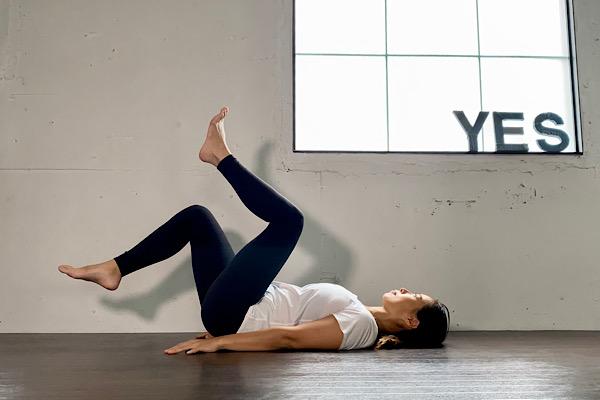 就寝前が効果的! ほっそり太ももに導く簡単トレーニング