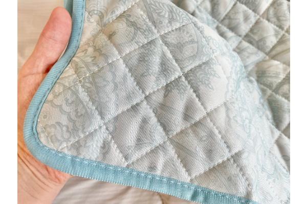 【3COINS】【ひんやりファブリック】接触冷感枕パッド』 表質感