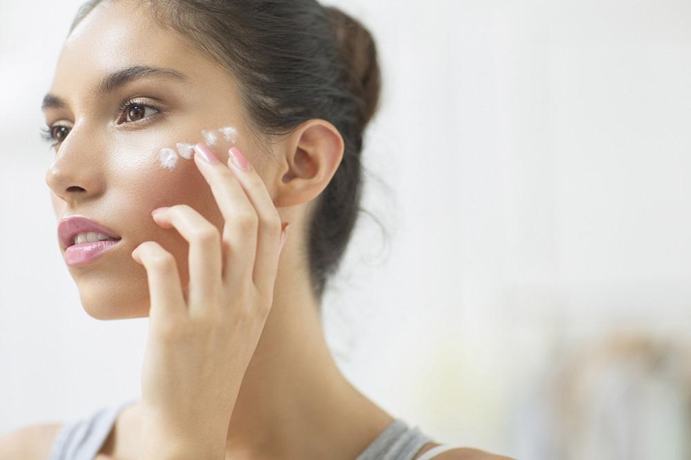 間違えると老け肌になります! 美容担当が教える「マスク時代の日焼け対策」