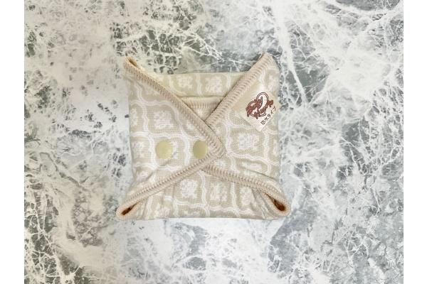 布ナプキン 持つ運び